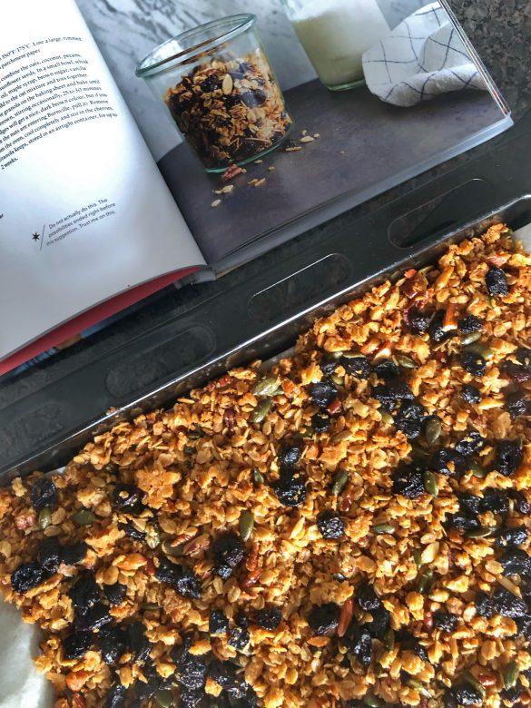 snimka-granola-s-chereshi-kniga