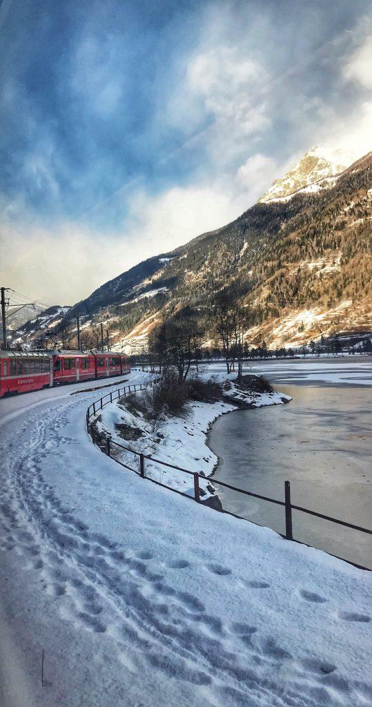 глейшър-експрес- glacier-express-switzerland-швейцария