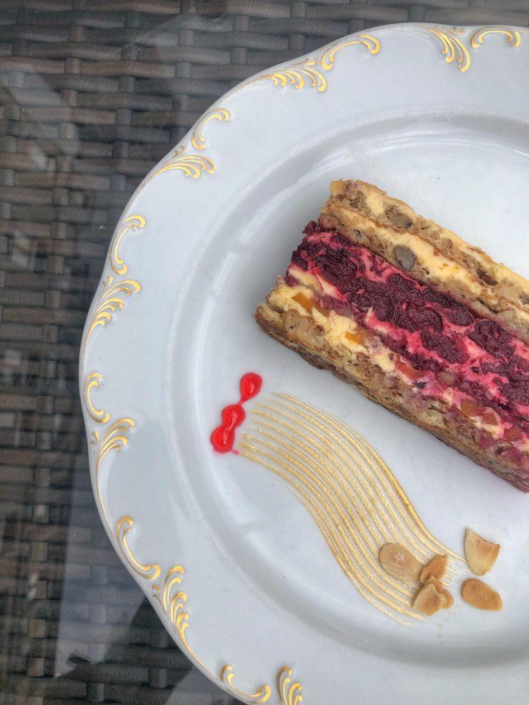 Московски-шнит-торта-с-плодове