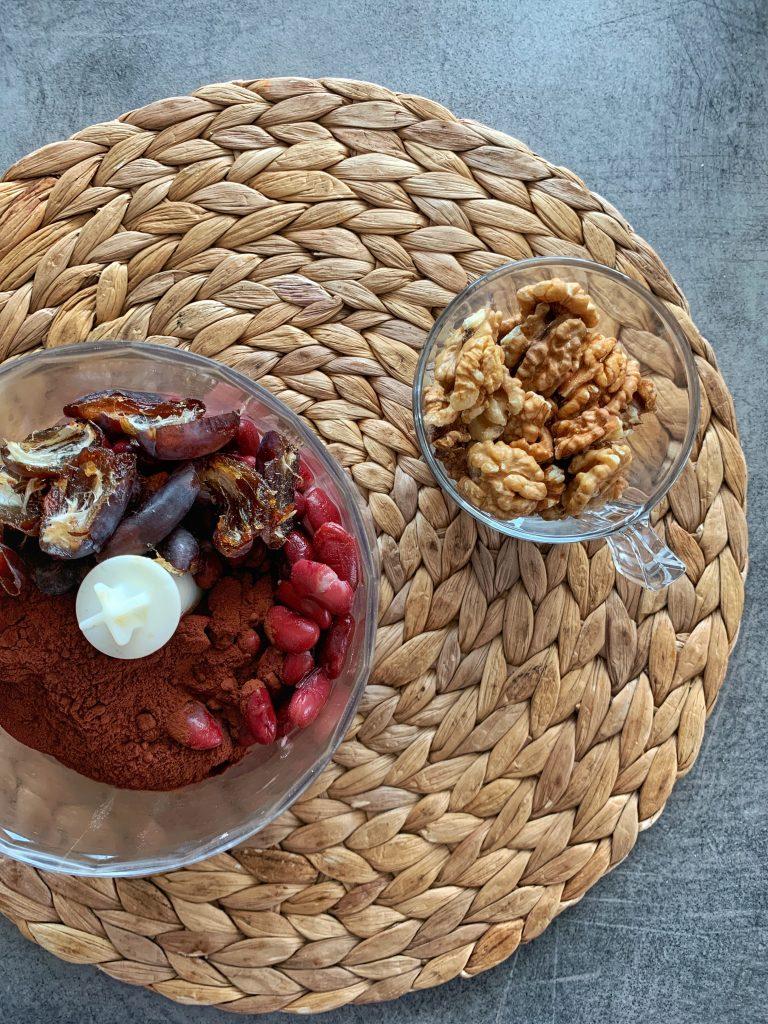 фурми-какао-червен-боб-орехи-съставки-здравословно-брауни