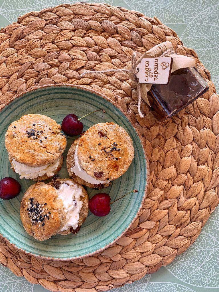 сладки-английски-хлебчета-маскарпоне-череши-сладко