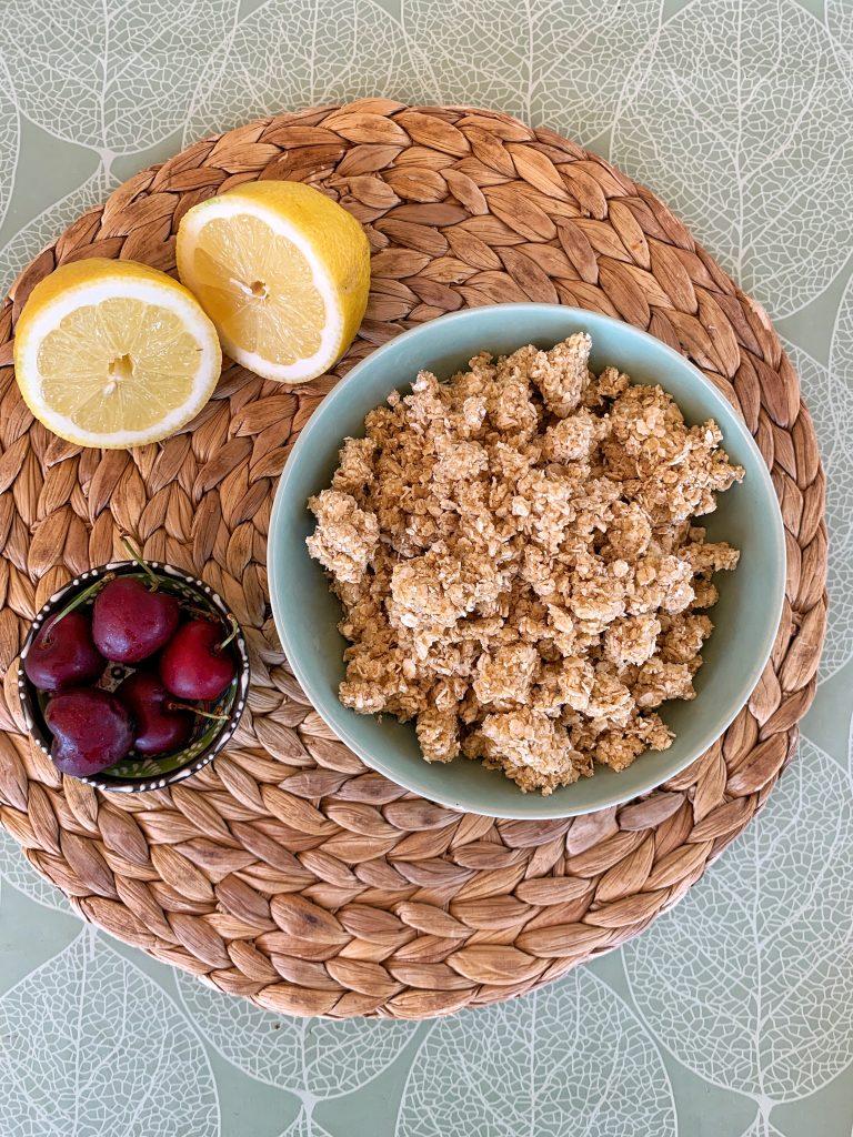 овесен-крамбъл-лимон-череши