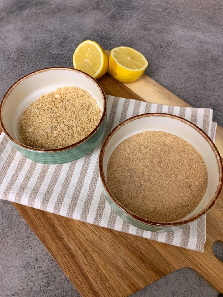 кафява-пудра-захар-бадемово-брашно-лимон