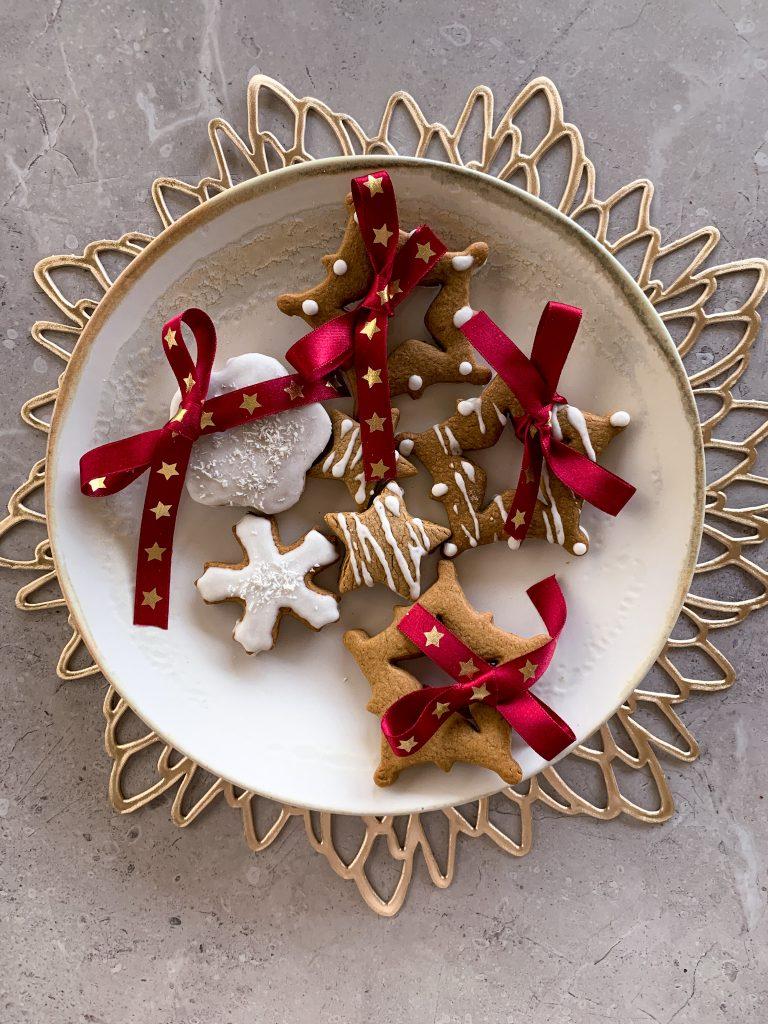 домашни-джинджифилови-бисквитки-за-Коледа