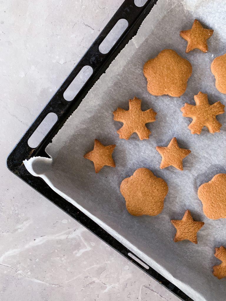 домашни-джинджифилови-бисквитки-gingerbread-cookies-1