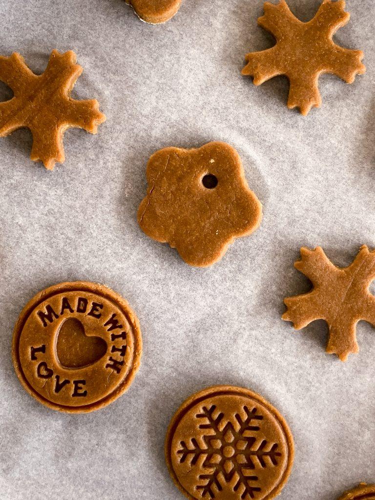 домашни-коледни-бисквитки-преди-изпичане