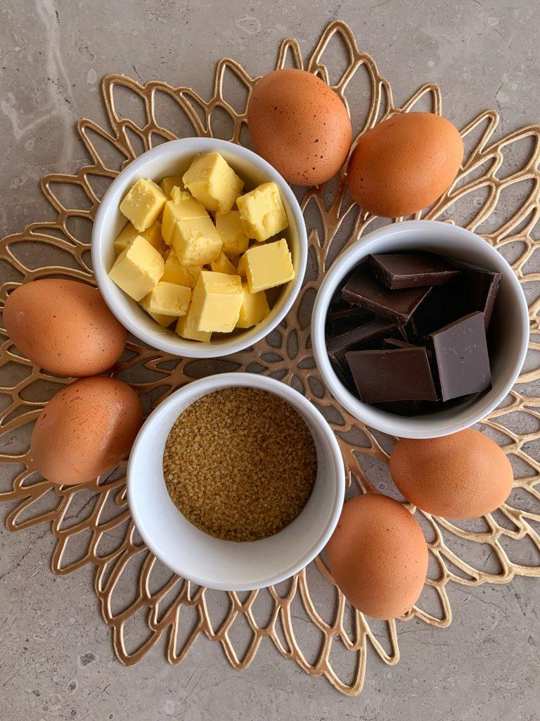 продукти-домашно-шоколадово-суфле-масло-яйца-шоколад-захар