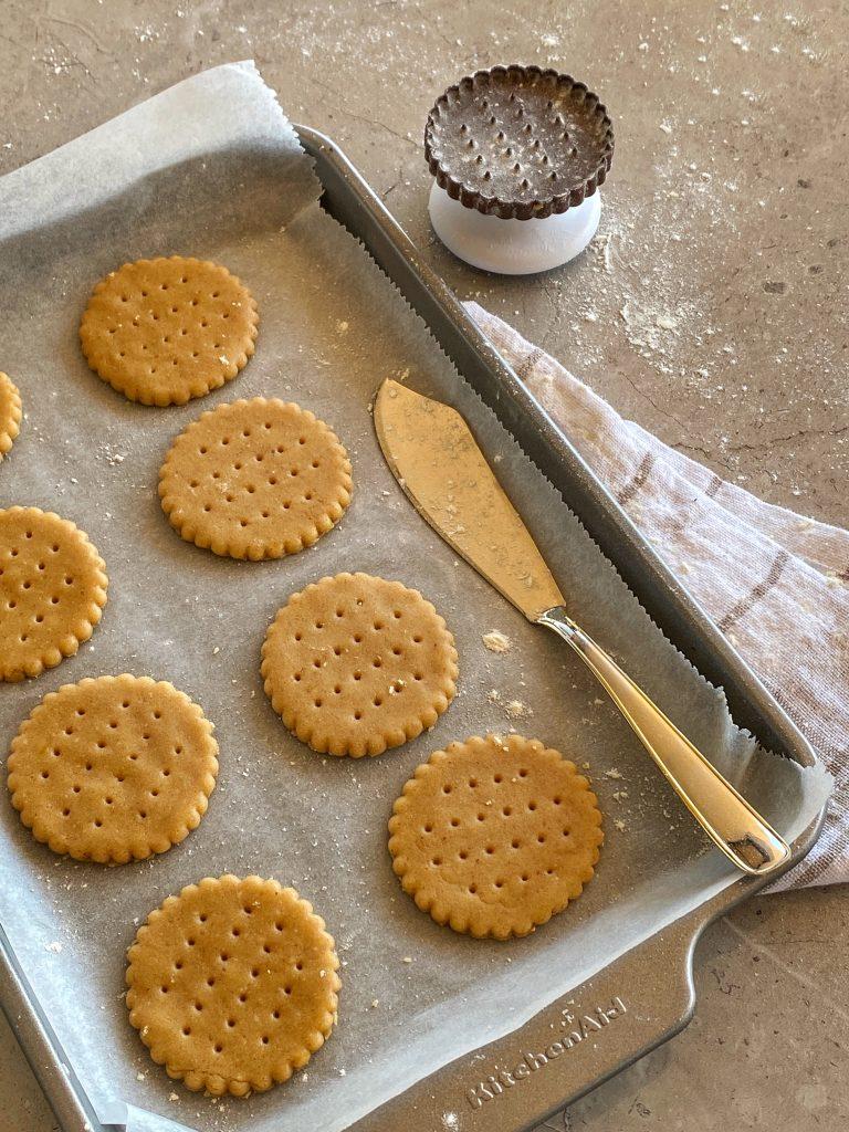 маслени-бисквитки-с-бадеми-преди-изпичане.jpgмаслени-бисквити-с-бадеми-преди-изпичане