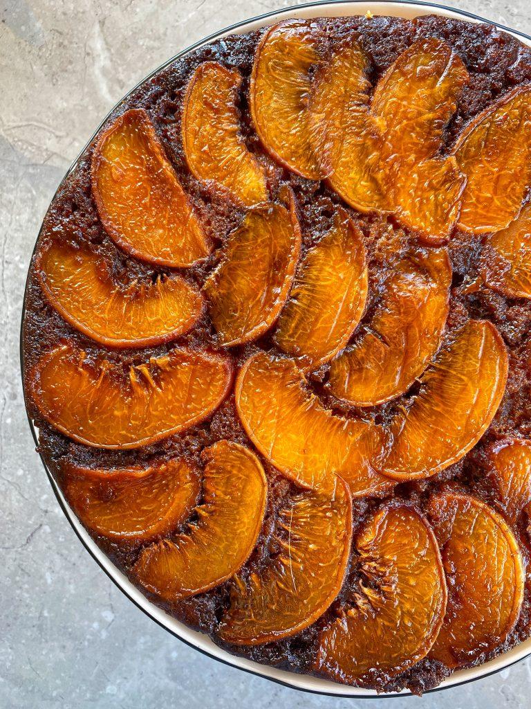 автентична-рецепта-сицилианска-домашна-торта-с-праскови-карамел